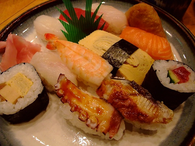 お手軽お寿司ランチ 梅田スカイビル 「いなせ寿司」