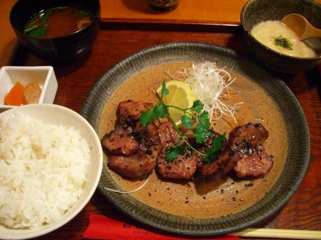 大人気の豚肉専門店 道修町 「日日是耕日」