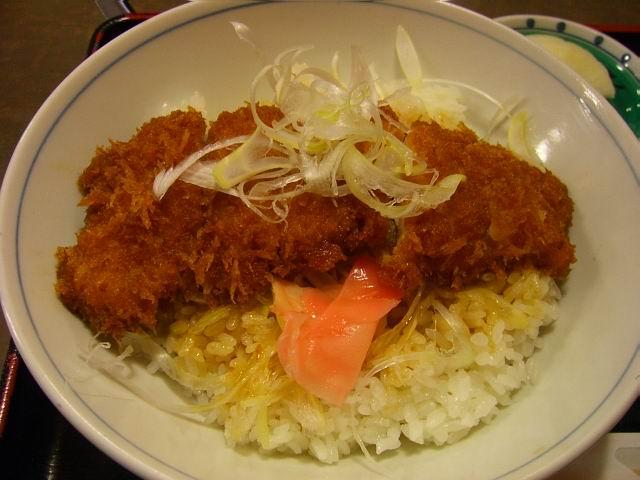 お蕎麦屋さんの激旨カツ丼! 豊中市 「まつ本」