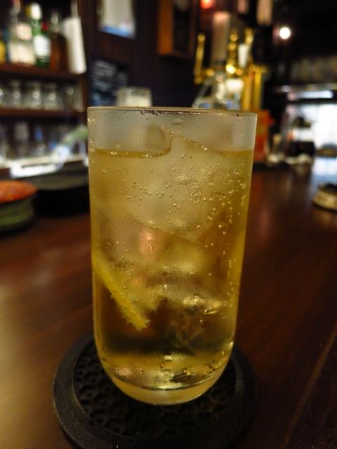 Mのハシゴ酒その2  下町飲み屋街の正統派バー  十三  「十三トリスバー」
