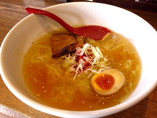 煮干しが効いた冷た~いスープがしみじみ旨い!  摂津本山  「麺や 六三六 摂津本山店」