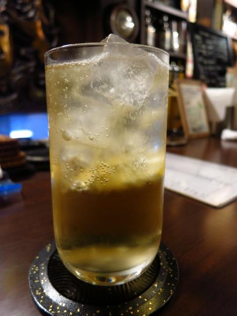 Mのハシゴ酒  十三の大人気正統派バー  十三  「十三トリスバー」