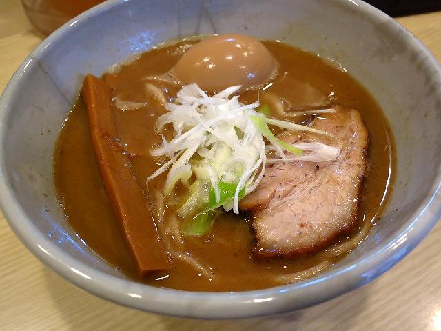 あまりにも完成度が高すぎる超濃厚魚介豚骨の超人気店!  京都  「麺や 高倉二条」