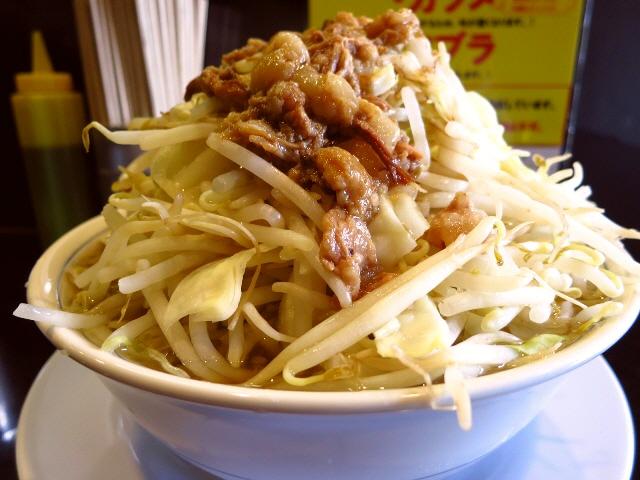 食べ応え満点!ストレートな旨味でとても美味しくいただけます(^^  北区兎我野町  「ラーメン たくのじ」