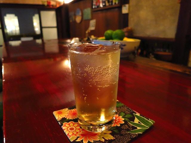 Mのハシゴ酒  ゆったりした空気が流れるレトロな空間の正統派バー  靭本町  「BAR立山」