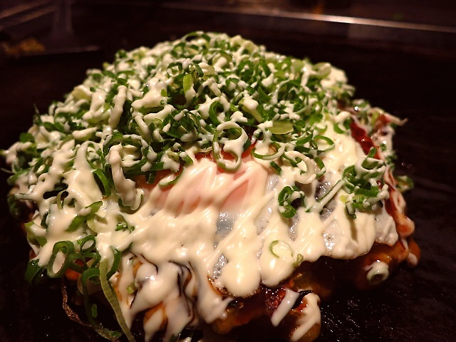 NHKの朝の連ドラで何度も見たお好み焼きは絶品でした!  西成区  「お好み焼き でん」