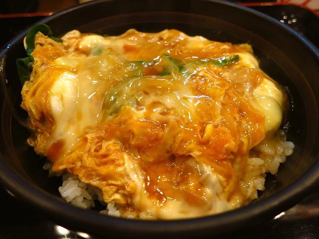 お客さんの9割がかつ丼を食べているうどん屋さん!うどんも絶品!  福島区  「小麦や」