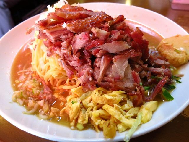 大行列のお客さんの9割が注文する冷麺は癖になる味わいです!  兵庫県  「宝楽」