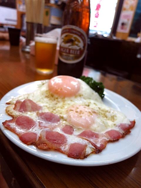 Mのハシゴ酒  ゆる~い空気の流れる空間は昭和のまま時間が止まっています  兵庫県  「皆様食堂」