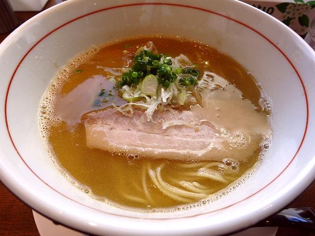 スープも麺もチャーシューもから揚げも何もかもが旨くて良心的な大人気店!  滋賀県  「麺屋 レノン」