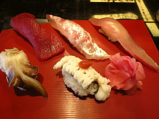 豪快なネタのお寿司とビールのお得なセット!  日本橋  「豪快 立ち寿司」