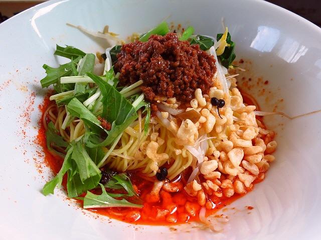 住宅街の屋台でハイレベルな担々麺が食べられます!  京都  「屋台ラーメン まる担 おがわ」