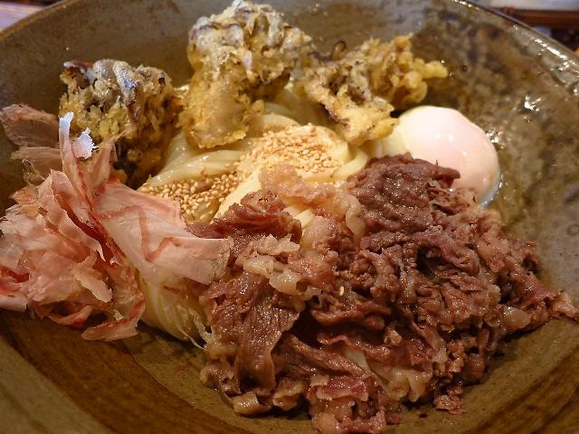 素晴らしい伸びと腰の熟成麺で今日もダンシング!  守口市 「踊るうどん 滝井本店」