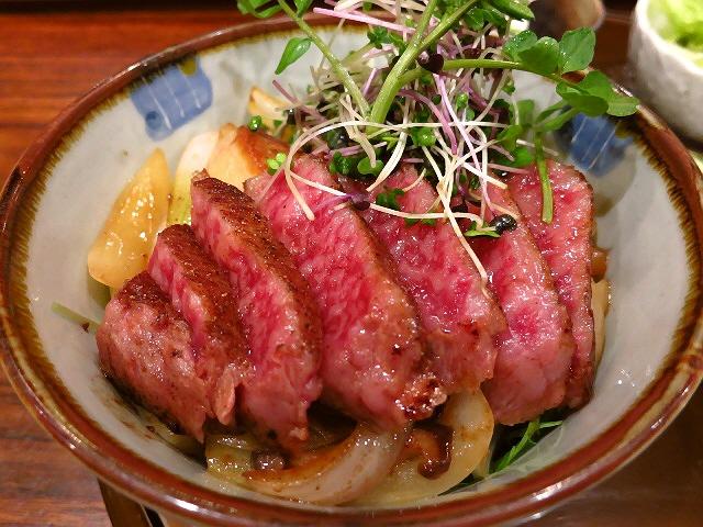 北新地高級ステーキハウスの原価度外視の超贅沢丼!  北新地  「てんぷら・鉄板焼 義」