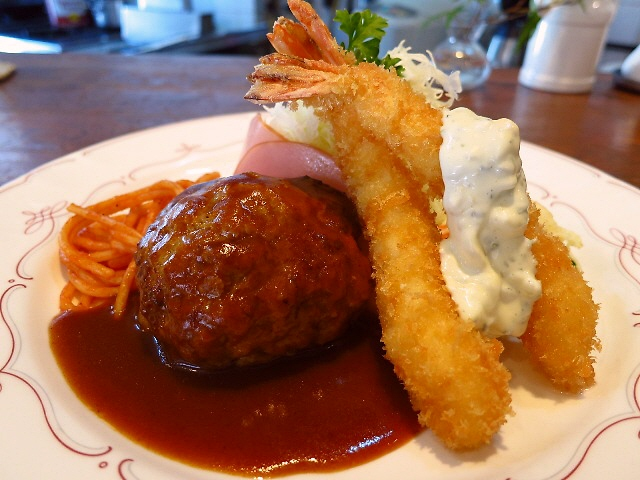 丁寧な仕事が光る!いつ食べても何を食べても変わらぬ味!  北区神山町  「洋食の店 ア・ラ・カルト」