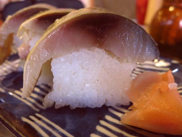 お稲荷さんの参道でいただける絶品鯖寿司!  京都  「祢ざめ家」