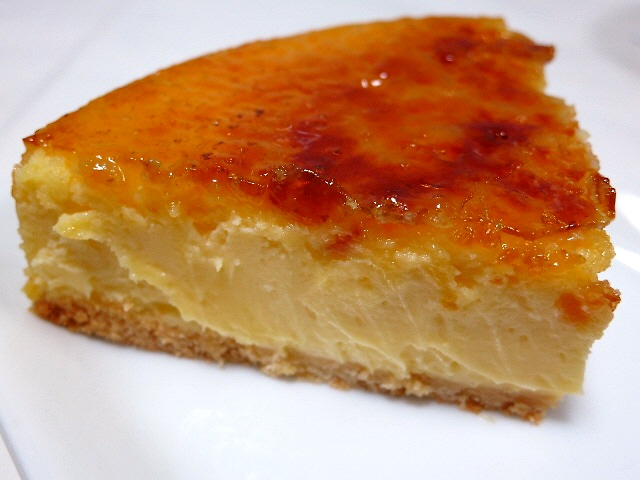 Mのおやつ  1周年記念の4日間限定の絶品超濃厚チーズタルト!  ホワイティ梅田  「PABLO 梅田店」