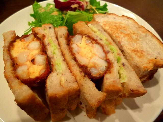 カンテグランデのパンを使った絶品サンドウィッチ!  西天満  「西天満バル Fujinoya」