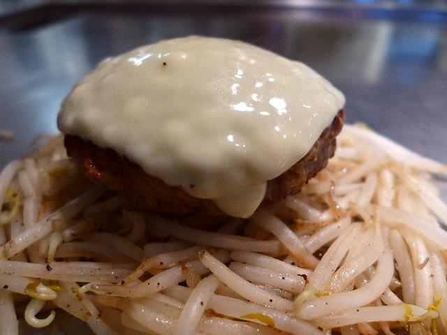 ジューシーでお肉の旨味が凝縮した絶品ハンバーグ!  京都市左京区  「ハンバーグ一乗寺」