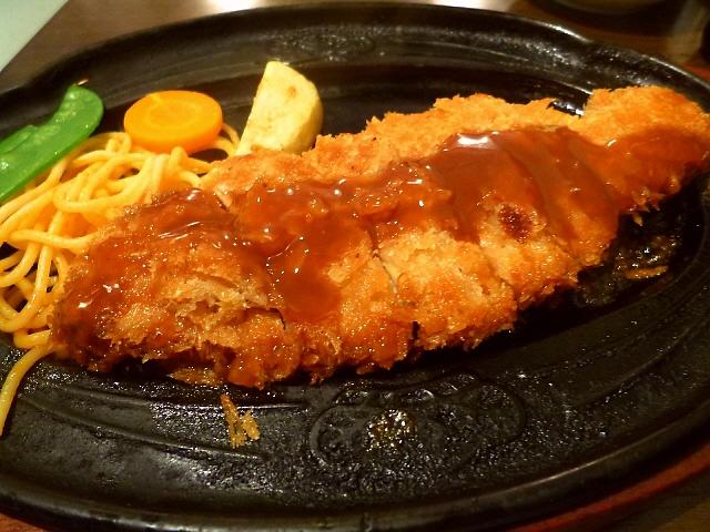 熱々サクサクの焼きカツを食べてきました!  東京浅草  「元祖やきかつ 桃タロー」