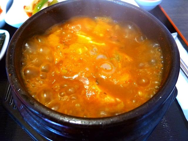 お洒落な空間でオモニが作る本格韓国料理が旨い!  西中島南方  「明洞純豆腐 新大阪店」
