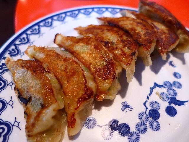 餃子のうまい中華料理店にハズレなし!は真理でした!  旭区赤川  「龍鳳」