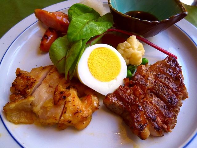 味は本格派のお得洋食ランチ  西天満  「エスカルゴ」