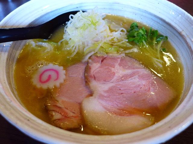 鶏の旨味が凝縮した絶品鶏白湯がいただける行列店!  奈良県  「麺屋 NOROMA」