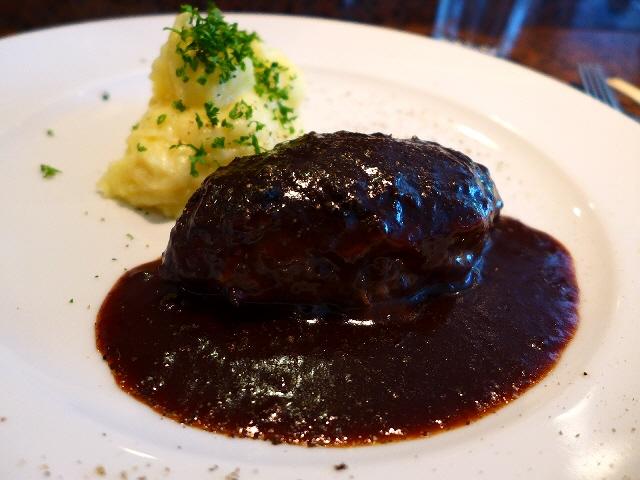 高級感溢れる肉肉しい食感の大人の極上ハンバーグ  京都市中京区  「ビストロ セプト」