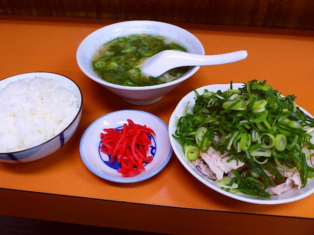 京都の市場のラーメン屋さんの名物は癖になりそうです!  京都中央卸売市場  「石田食堂」