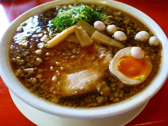 旨味とコクが凝縮した力強い味わいの湖国ブラック!  滋賀県  「ラーメン ととち丸」