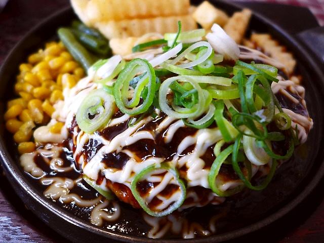 ボリューム満点で安旨の大人気ハンバーグ!ジャンクな味わいが癖になってしまいます!  京都市左京区  「ジェイムスキッチン」