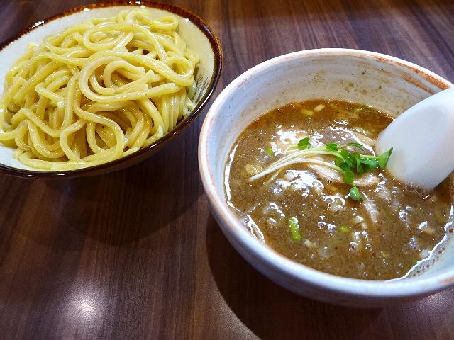 ラーメン大激戦区の人気つけ麺専門店は麺もスープも絶品でした!  京都市左京区  「つけめん 恵那く」