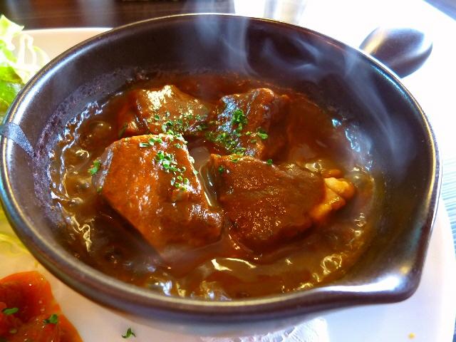 72時間も煮込まれた超柔らかタンシチューがいただけるお値打ちランチ!  福島区  「西洋食堂 Labo」