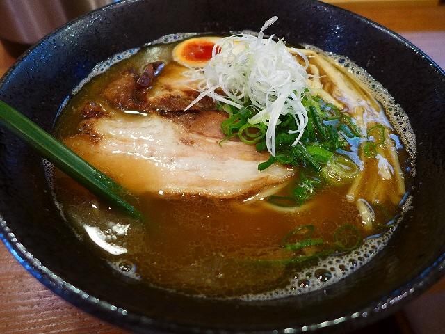 名店のDNAを受け継ぐ魚介香る絶品スープ!  中央区本町  「麺屋 はなぶさ」