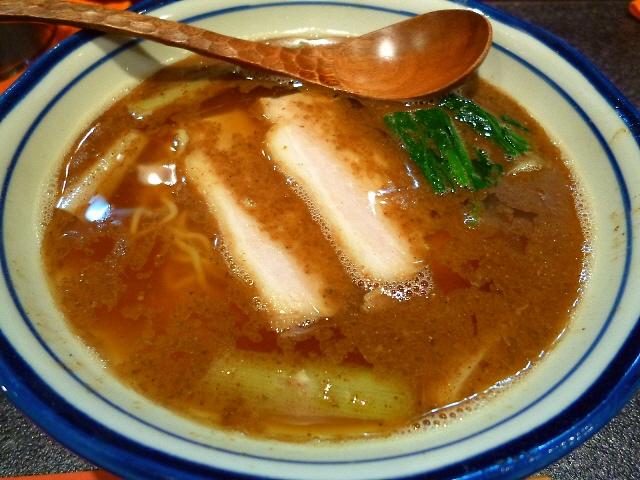 味良し雰囲気良し接客良し!気持ちの良いラーメン屋さんです!  福島区  「烈志笑魚油 麺香房 三く」