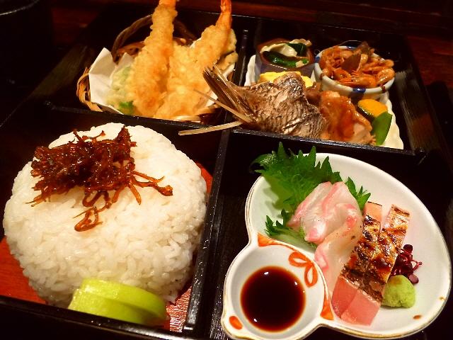 大人気の美味しくてお値打ちの松花堂弁当  北区曽根崎  「酒肆 門」