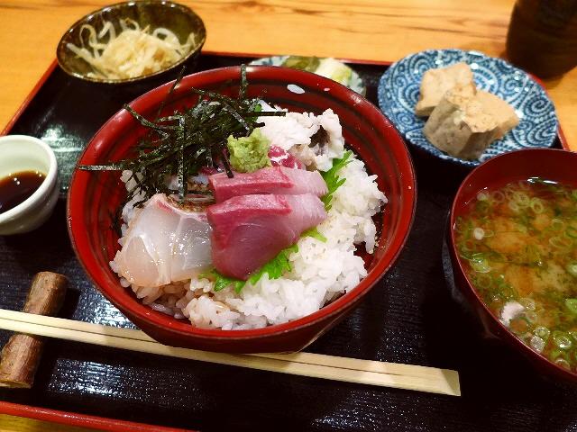 北新地割烹のお値打ち海鮮丼ランチ  北新地  「えびす」