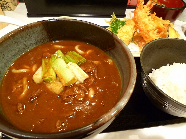 超濃厚カレー出汁に熟成麺が絶妙です!   大阪駅前第3ビル  「うだま 梅田店」