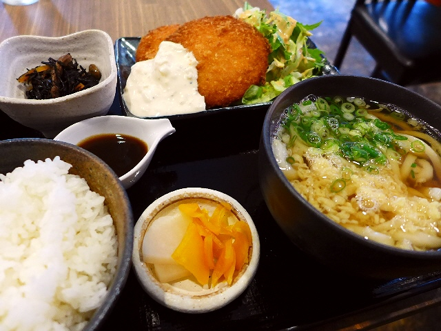 うどん屋さんの隠れた人気メニューは1日限定10食です!  西区京町堀  「うどん家 あぶく」