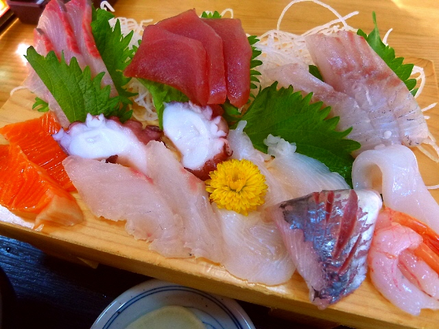 Mの朝ご飯  鮮度抜群の魚が揃う小浜の漁港市場は楽し過ぎます!  福井県小浜市  「五右衛門」