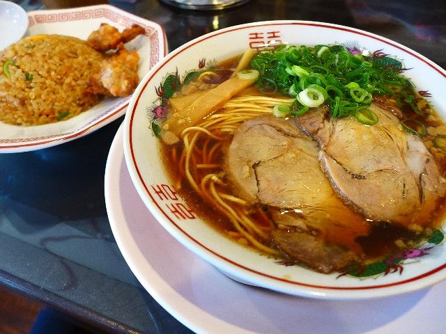 昼飯セットはボリューム満点でお値打ち!昔懐かしい味わいの正統派中華そば!  芦原橋  「中華そば ふじい」