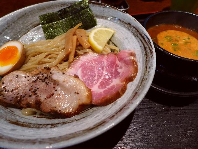 二度楽しめる濃厚つけ麺も超ハイレベルです!  江坂  「三麺流 武者麺」