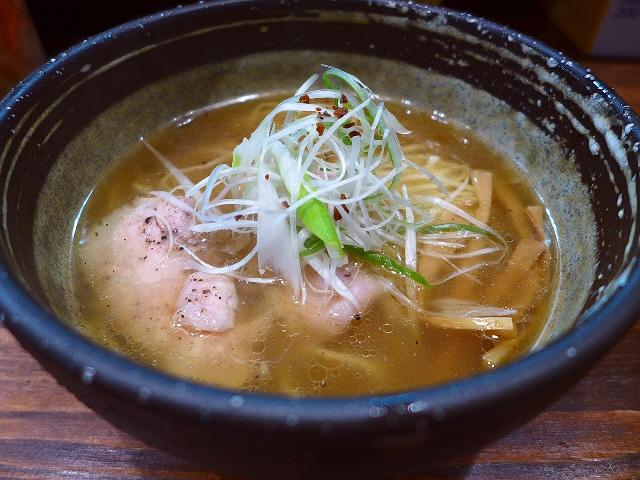 京地どりの旨味が凝縮したシンプルでバランスの良い絶品スープ!  今里  「麺心 氣ばりい屋」