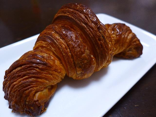 全てが旨すぎる本格派のパンがリーズナブルに楽しめる大人気店!  西宮市  「コンセント マーケット」