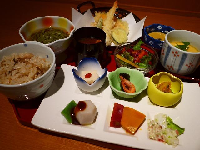 味も品数も大満足!とんでもなくお値打ちの京風お昼ごはんランチ!  心斎橋  「文蔵」
