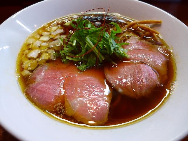 思わず唸ってしまうほど上品で完成度の高い鶏魚介醤油味です!  西区京町堀  「香澄」
