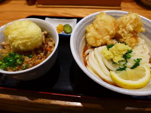 お昼のお得なセットは満足感が高いです!  梅田  「釜たけ流 うめだ製麺所」