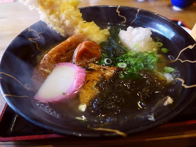 Mのおやつ 琵琶湖畔の絶景カフェ!落ちていく夕日に心から癒されます。 滋賀県近江八幡市 「シャーレ水ケ浜」