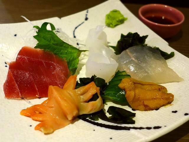 Mのちょっと一杯!  鮮度抜群の魚介類が立ち飲み価格で座って飲める大人気の居酒屋!  日本橋  「酒場 おか長」